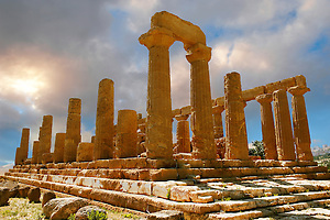 Greek Temple of Juno Lacina, Agrigento, sicily (Paul Williams)