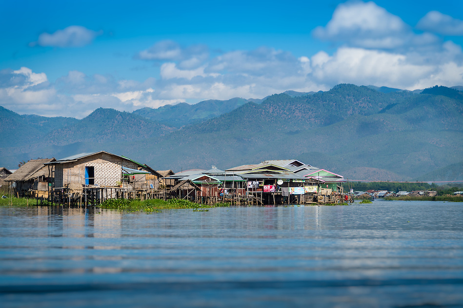Typical village and houses built on stilts in Inle Lake, Myanmar (Daniel Korzeniewski)