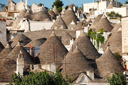 Trulli houses of Alberobello, Puglia, Italy.  Pictures, photos, images & fotos. (By Travel photographer Paul Williams. http://www.funkystock.eu)