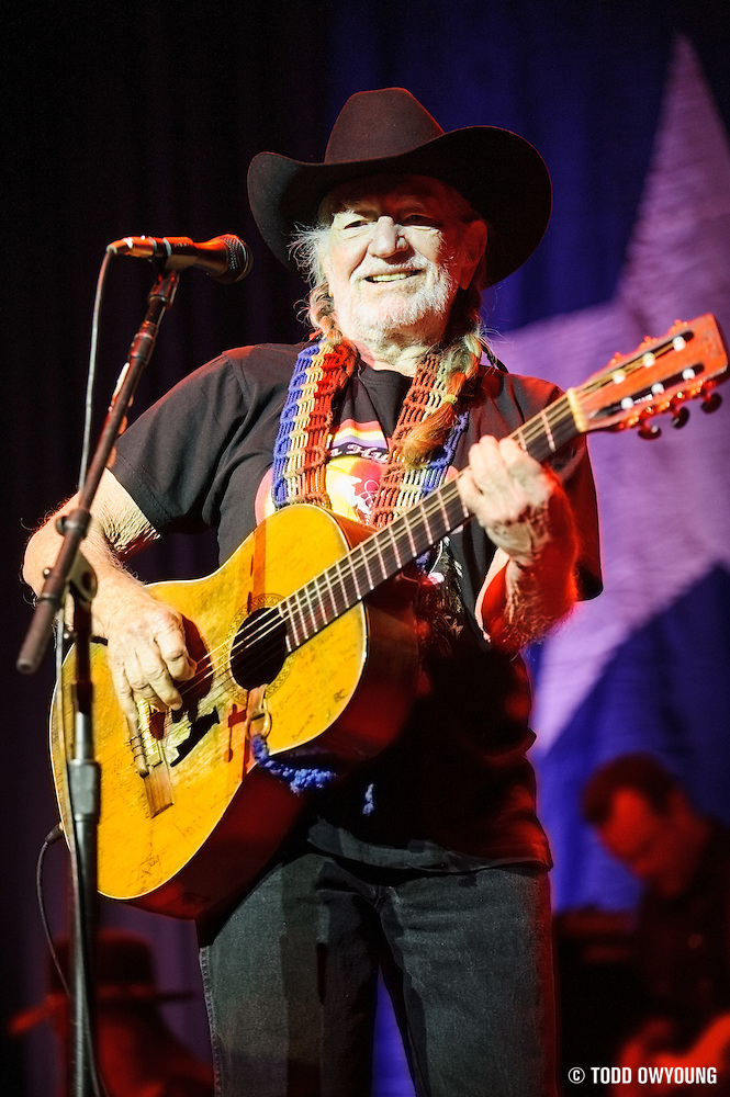 Country music legend Willie Nelson performing at the Pageant in St. Louis on April 17, 2012. (TODD OWYOUNG)