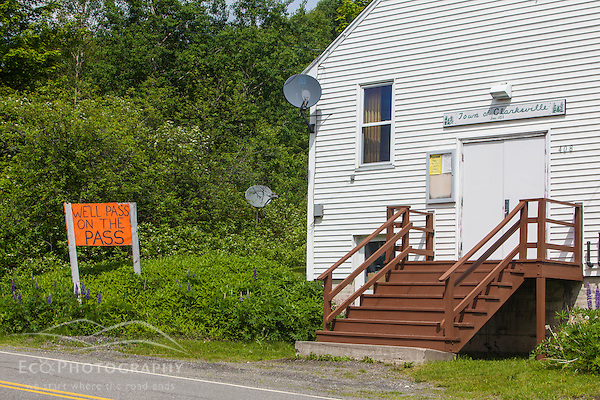 A homemade sign opposing Northern Pass next to the Clarksville, New Hampshire town offices. (Jerry Monkman)