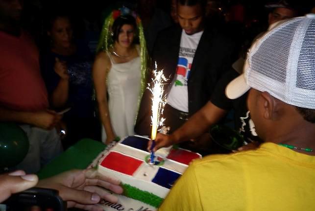 La novia representó a Loma Miranda, el novio al Pueblo Dominicano