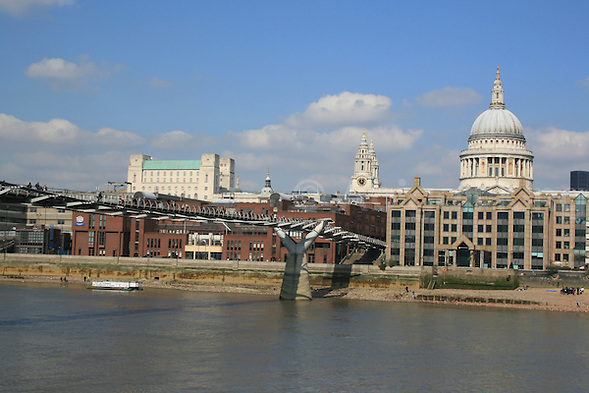 St Paul's & the Wobbly Bridge, London, UK