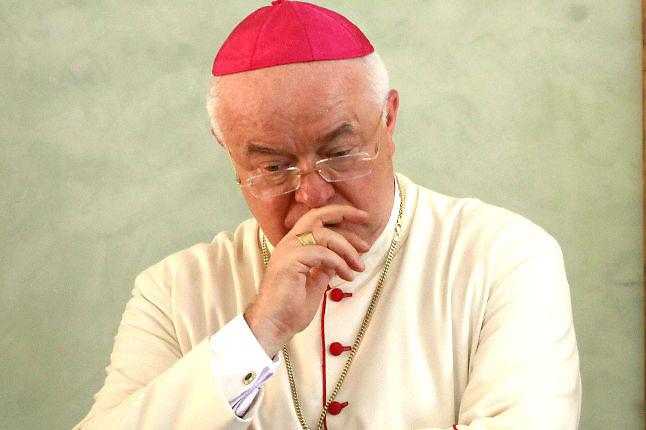 Foro denuncia Iglesia obstruye justicia en casos de curas pederastas