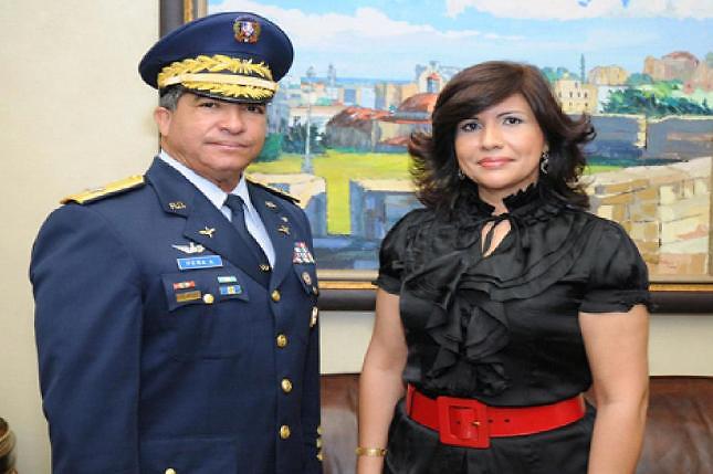 Peña Antonio, con la actual vicepresidenta de la República, Margarita Cedeño de Fernández