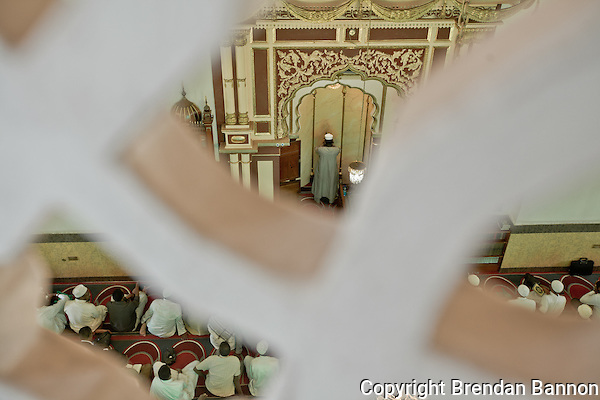 Muslim call to prayer at Jamia Mosque in Nairobi, Kenya (Photographer: Brendan Bannon)