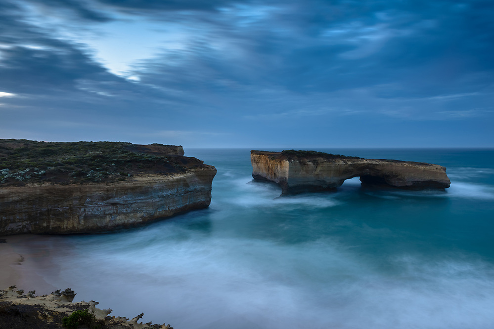 Dawn at London Bridge. Port Campbell Coastal Park on the Great Ocean Road (Mark Eden)