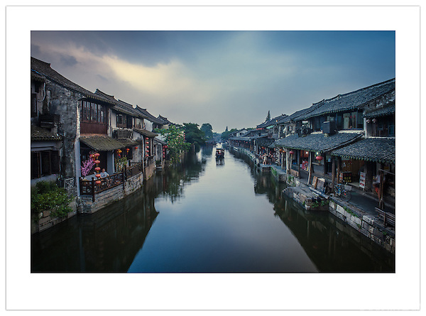 A waterway in Xitang, Zhejiang, China (Ian Mylam/ Ian Mylam (www.ianmylam.com))