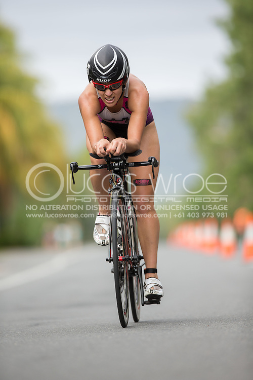 Sarah Crowley (AUS), June 1, 2014 - TRIATHLON : Coral Coast 5150 Triathlon, Cairns Airport Adventure Festival, Four Mile Beach, Port Douglas, Queensland, Australia. Credit: Lucas Wroe (Lucas Wroe)