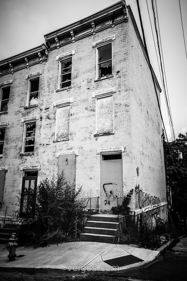 Glencoe-Auburn Place in Cincinnati Ohio. The Glencoe-Auburn Hotel and Glencoe-Auburn Place Row Houses were built in the late 1800's and is listed on the U.S. National Register of Historic Places. The complex is currently abandoned and in extremely poor condition. (Paul Velgos)
