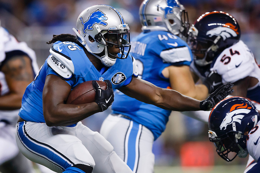 Detroit Lions running back Joique Bell (35) rushes against the Denver Broncos during an NFL football game at Ford Field in Detroit, Sunday, Sept. 27, 2015. (AP Photo/Rick Osentoski) (Rick Osentoski/AP)