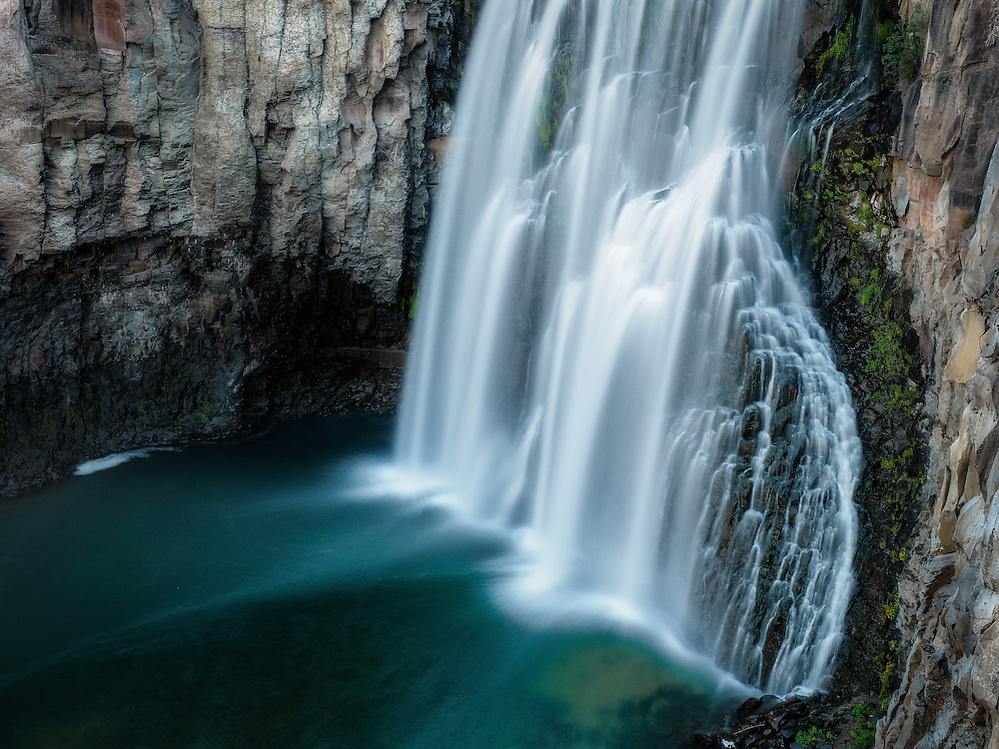 Waterfalls: Rainbow Falls in Mammoth Lakes, California (Doug Oglesby)