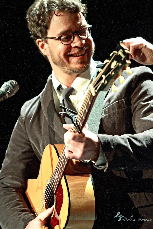 "Amos Lee performs on January 20, 2011 in support of ""Mission Bell"" at the Moore Theatre in Seattle, Washington (Elisa Sherman)"
