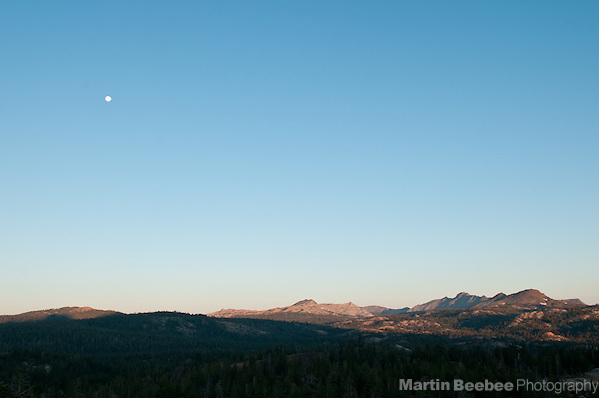 Morning alpenglow and full moon over the Sierra Nevada, Toiyabe National Forest, California (Martin Beebee)