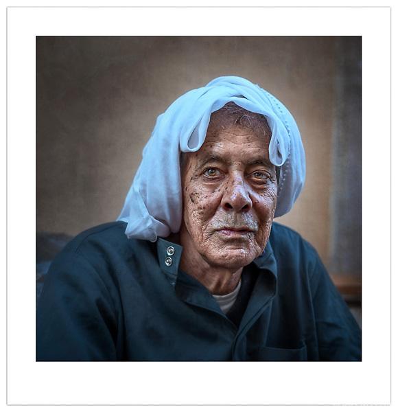 Manama Souq, Bahrain, 2013 (© Ian Mylam)