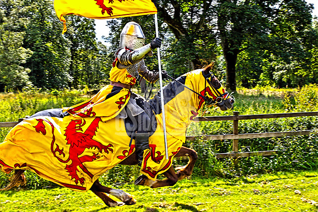 Castle Fraser Jousting Tournament knight in armour on horseback www.dSider.co.uk whats's on Royal Deeside guide, photo courses (Bill Bagshaw & Martin Williams/Bill Bagshaw, dsider.co.uk)