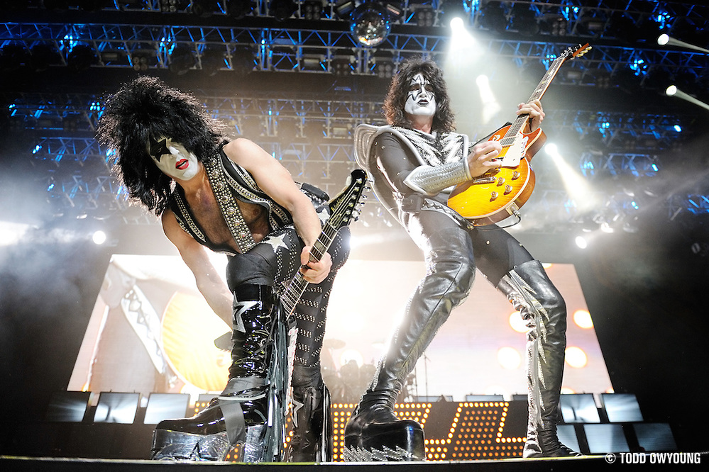 KISS performs on the Alive/35 World Tour in Kansas City on December 15, 2009. (TODD OWYOUNG)