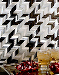 Houndstooth, a hand cut jewel glass mosaic shown in Jasper and Alabaster, is part of the Houndstooth Collection by Sara Baldwin for New Ravenna Mosaics. (New Ravenna ®)