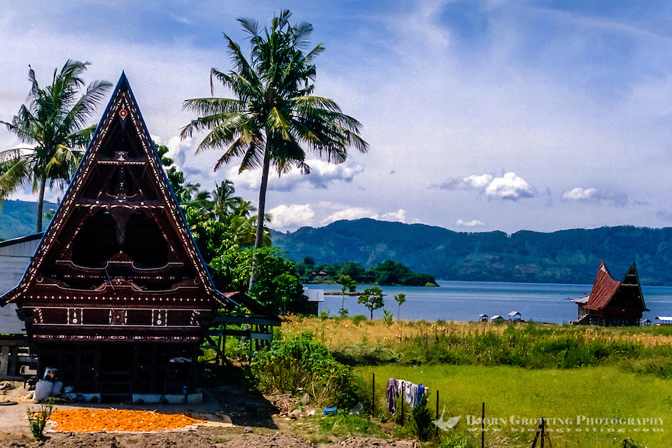 Indonesia, Sumatra. Samosir. A Batak house is built on stilts, made of wood (without nails) and roofed with sugar palm fibre, or unfortunately today more often rusting corrugated iron. The style vary from region to region, but the basics are the same. (Photo Bjorn Grotting)