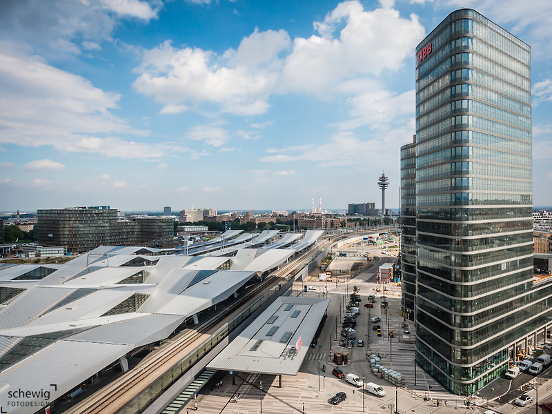 Hauptbahnhof Wien neu (Architekten Wimmer, Hoffmann, Hotz), Rautendachkonstruktion, Quartier Belvedere, Funkturm Wien-Arsenal, ÖBB Konzernzentrale, Österreich, Wien, Architektur, modern, zeitgenössisch (veronika stock)