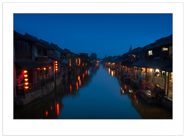 Dusk in Xitang, Zhejiang, China (Ian Mylam/ Ian Mylam (www.ianmylam.com))