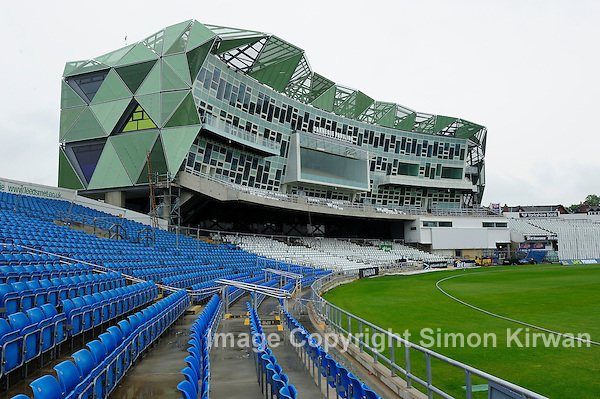 Carnegie Pavilion Headingley, Yorkshire County Cricket Club, Leeds Met University. Architect: Alsop Sparch - photography Simon Kirwan