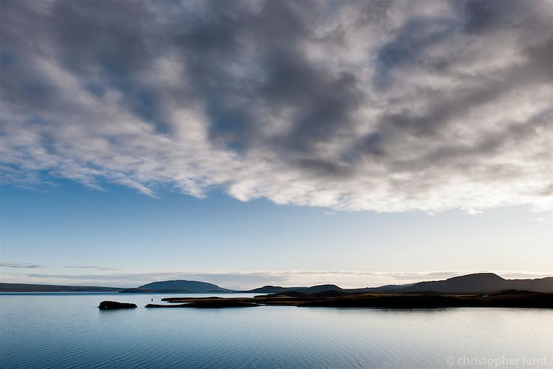 Looking over Hestvík and Klumba by Lake �ingvallavatn. Mount Miðfell in background. South Iceland. Horft yfir Hestvík og Klumbu við �ingavallavatn. Miðfell í baksýn. (Christopher Lund/©2009 Christopher Lund)