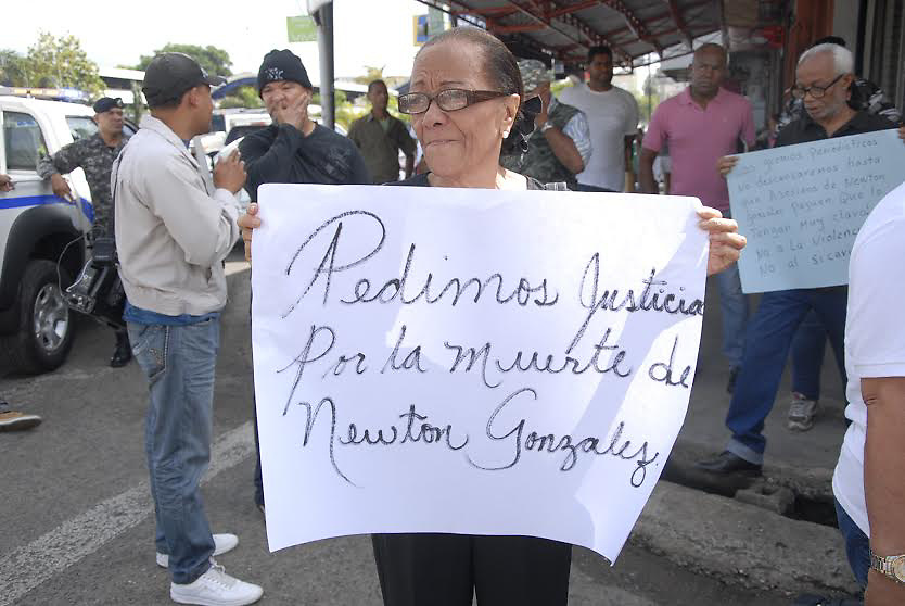 Juana Montes de Oca, madre de Newston González.