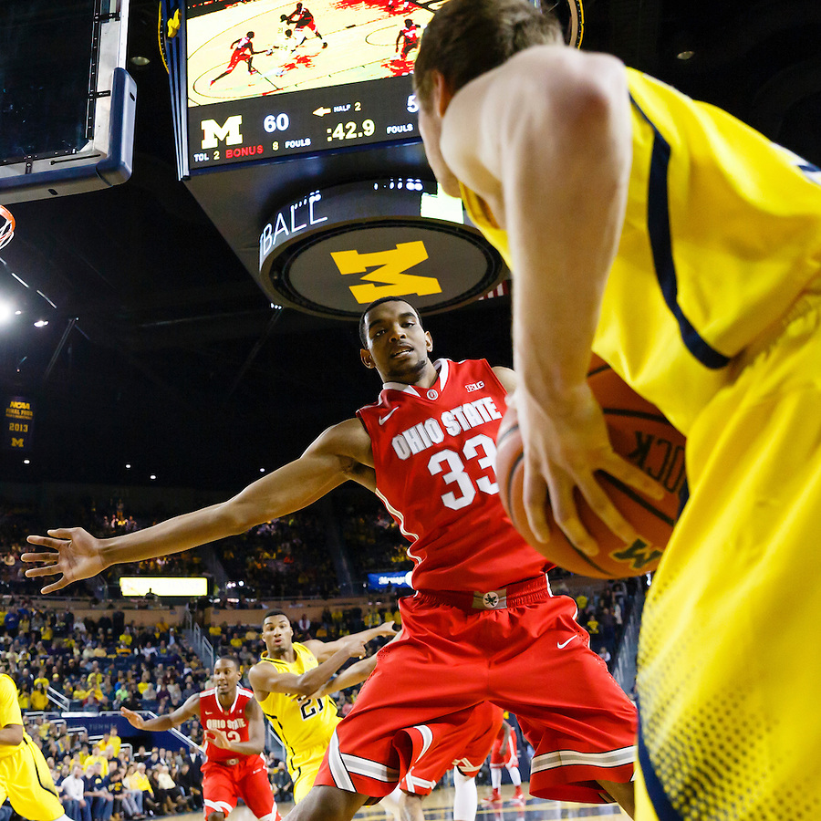 Feb 22, 2015; Ann Arbor, MI, USA; Michigan Wolverines guard Spike Albrecht (2) attempts to inbound the ball on Ohio State Buckeyes forward Keita Bates-Diop (33) in the second half at Crisler Center. Mandatory Credit: Rick Osentoski-USA TODAY Sports (Rick Osentoski/Rick Osentoski-USA TODAY Sports)