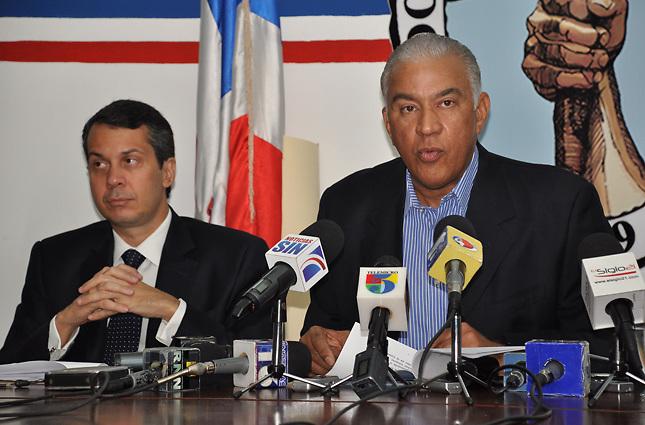 Crisis PRD: Andrés Bautista dice que Miguel Vargas no logró reunir al CEN