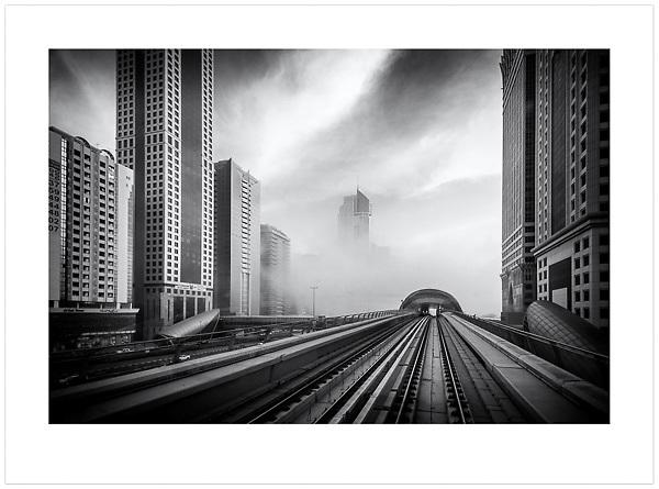 Dubai Metro, U.A.E., 2014 (© Ian Mylam)