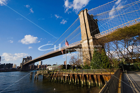 Brooklyn Bridge seen from Dumbo New York October 2008 (Christopher Holt LTD - London UK/Image by Christopher Holt - www.christopherholt.com)