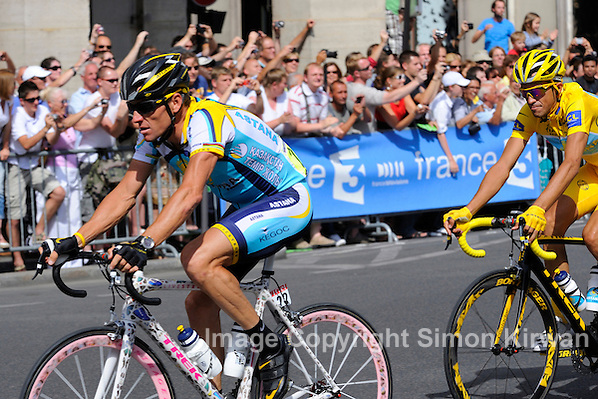 Lance Armstrong, riding his Damien Hirst custom bike, and Alberto Contador, Tour de France 2009, on the circuit of the Champs Elysees and Rue de Rivoli in Paris - Photo by Simon Kirwan