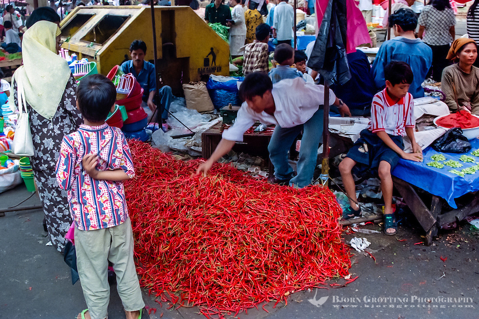 West Sumatra, Padang. Hot stuff; a big pile of chili at Pasar Raya, the main food market in Padang. (Photo Bjorn Grotting)