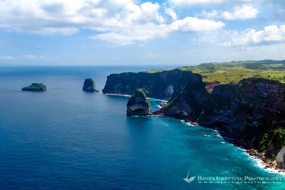 Steep cliffs on the southern coast of Nusa Penida (from helicopter) (Bjorn Grotting)