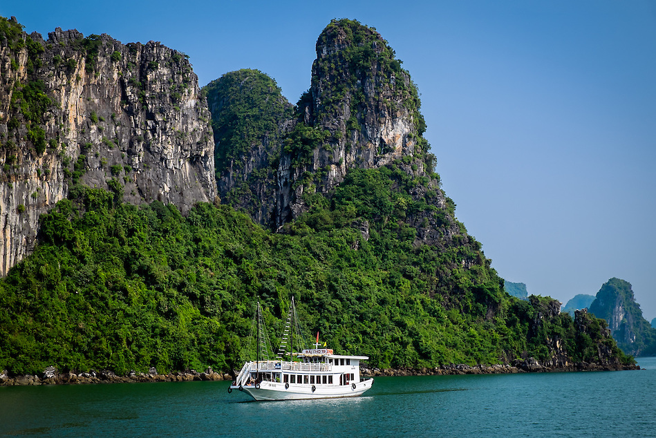 HA LONG BAY, VIETNAM - CIRCA SEPTEMBER 2014:  Tourist boat in Halong Bay, Vietnam. (Daniel Korzeniewski)