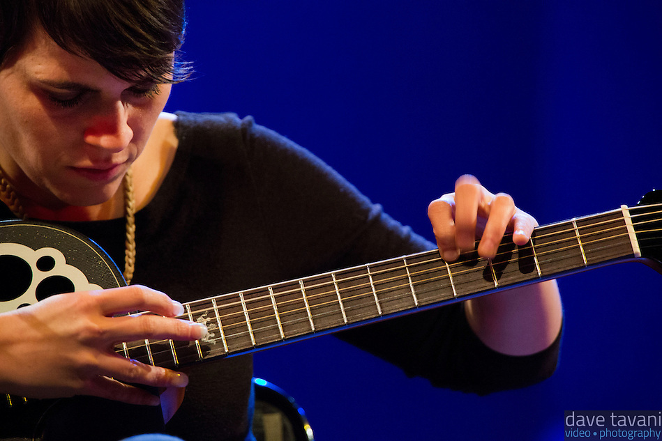 Kaki King performs at World Cafe Live, showing off one of her signature tapping techniques. (Dave Tavani)
