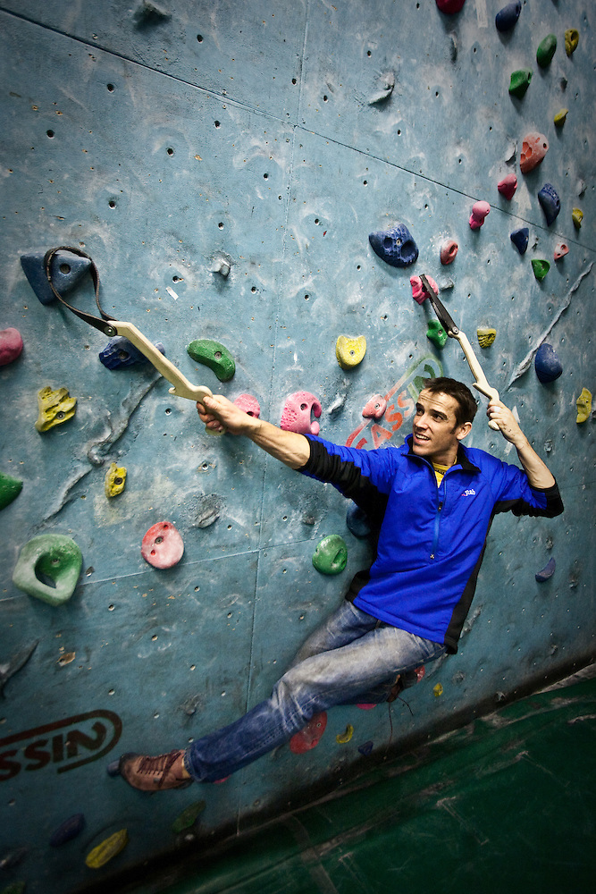 Tom Randall using the Schmoolz training tools at The Edge climbing wall in Sheffield. (Alex Ekins)