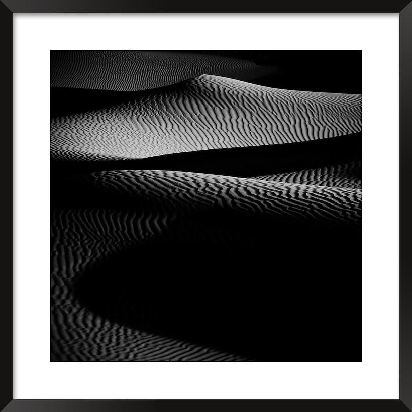 Sahara Desert Sand dunes. A fine art black & white image. (Rosa Frei)