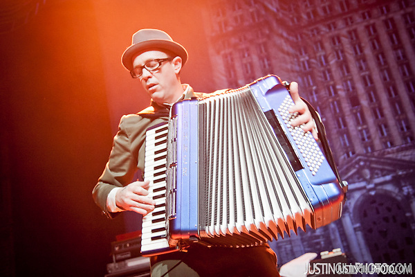 Floggin Molly concert live @ Congress Theater Chicago (Justin Gill)