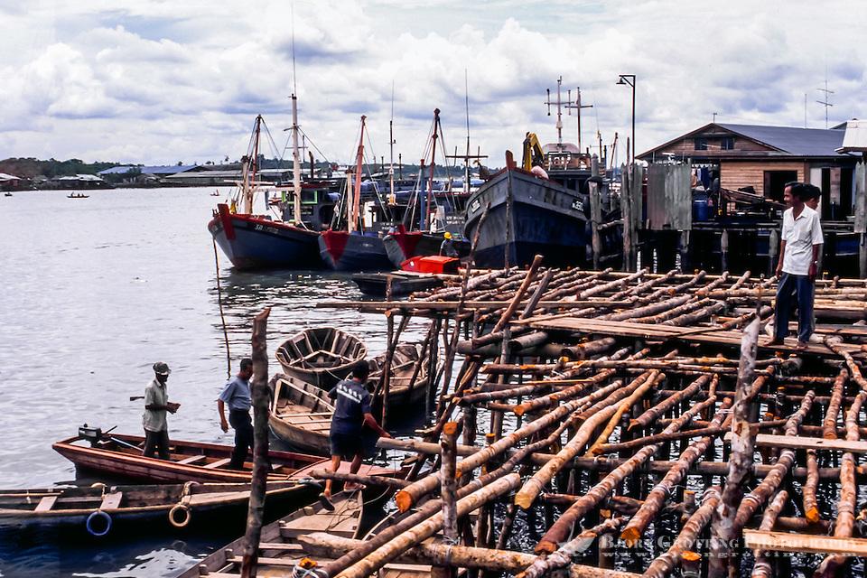 Riau Islands, Bintan. Tanjung Pinang harbour. Not to safe quay. (Photo Bjorn Grotting)