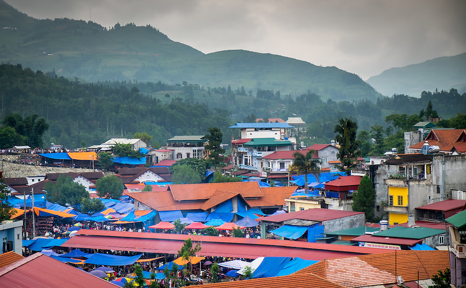 BAC HA, VIETNAM - CIRCA SEPTEMBER 2014:  Rooftops at Bac Ha sunday market, the biggest minority people market in Northern Vietnam (Daniel Korzeniewski)