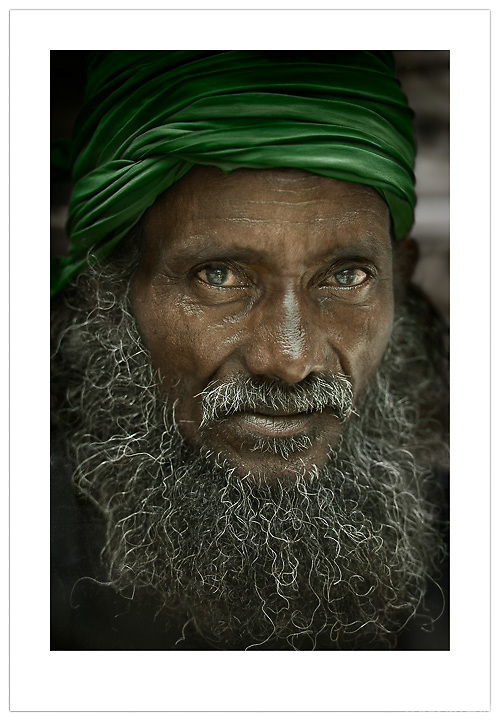 Street Portrait - Old Delhi, India (© Ian Mylam)