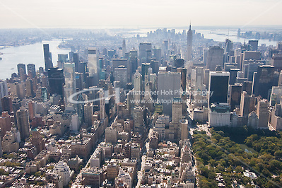 View of New York City from a helicopter tour in October 2008 (Christopher Holt LTD - LondonUK, Christopher Holt LTD/Image by Christopher Holt - www.christopherholt.com)