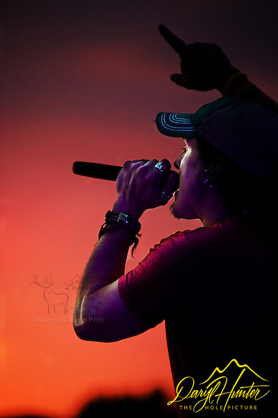 """Singing into the sunset, Jason Michael Carroll Concert in Naples Italy (© Daryl Hunter's """"The Hole Picture""""/Daryl L. Hunter)"""