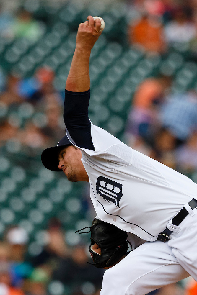 Jun 14, 2015; Detroit, MI, USA; Detroit Tigers relief pitcher Blaine Hardy (65) pitches in the sixth inning against the Cleveland Indians at Comerica Park. Mandatory Credit: Rick Osentoski-USA TODAY Sports (Rick Osentoski/Rick Osentoski-USA TODAY Sports)