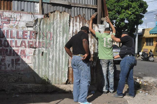 Durante fiestas de Año Nuevo la PN apresó a 105 presuntos delincuentes
