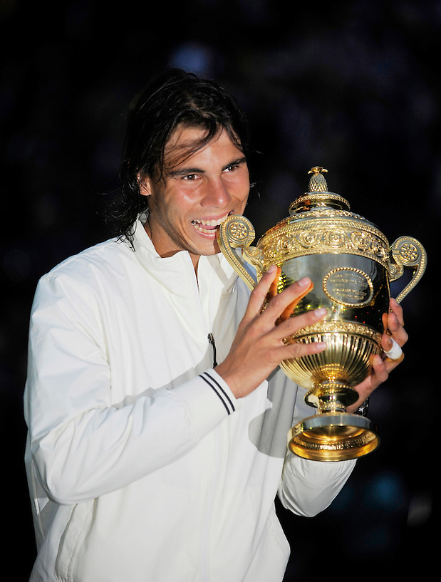 6TH JULY 2008, WIMBLEDON TENNIS CHAMPIONSHIPS, RAFAL NADAL DEFEATS ROGER FEDERER IN THE MENS FINAL, ROB CASEY PHOTOGRAPHY. (ROB CASEY/ROB CASEY PHOTOGRAPHY)