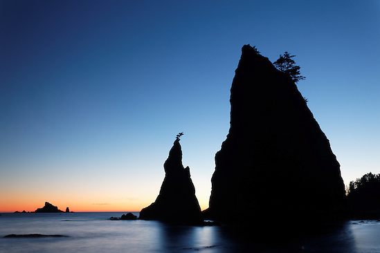 Sea stack at sunset, Rialto Beach, Olympic National Park, Washington State, USA (Copyright Brad Mitchell Photography.9601 Wall St.Snohomish, WA 98296.USA.425-418-7279.brad@bradmitchellphoto.com)