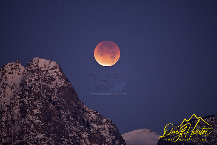 Full eclipse of the Moon over Death Canyon in Grand Teton National Park. (© Daryl L. Hunter - The Hole Picture/Daryl L. Hunter)